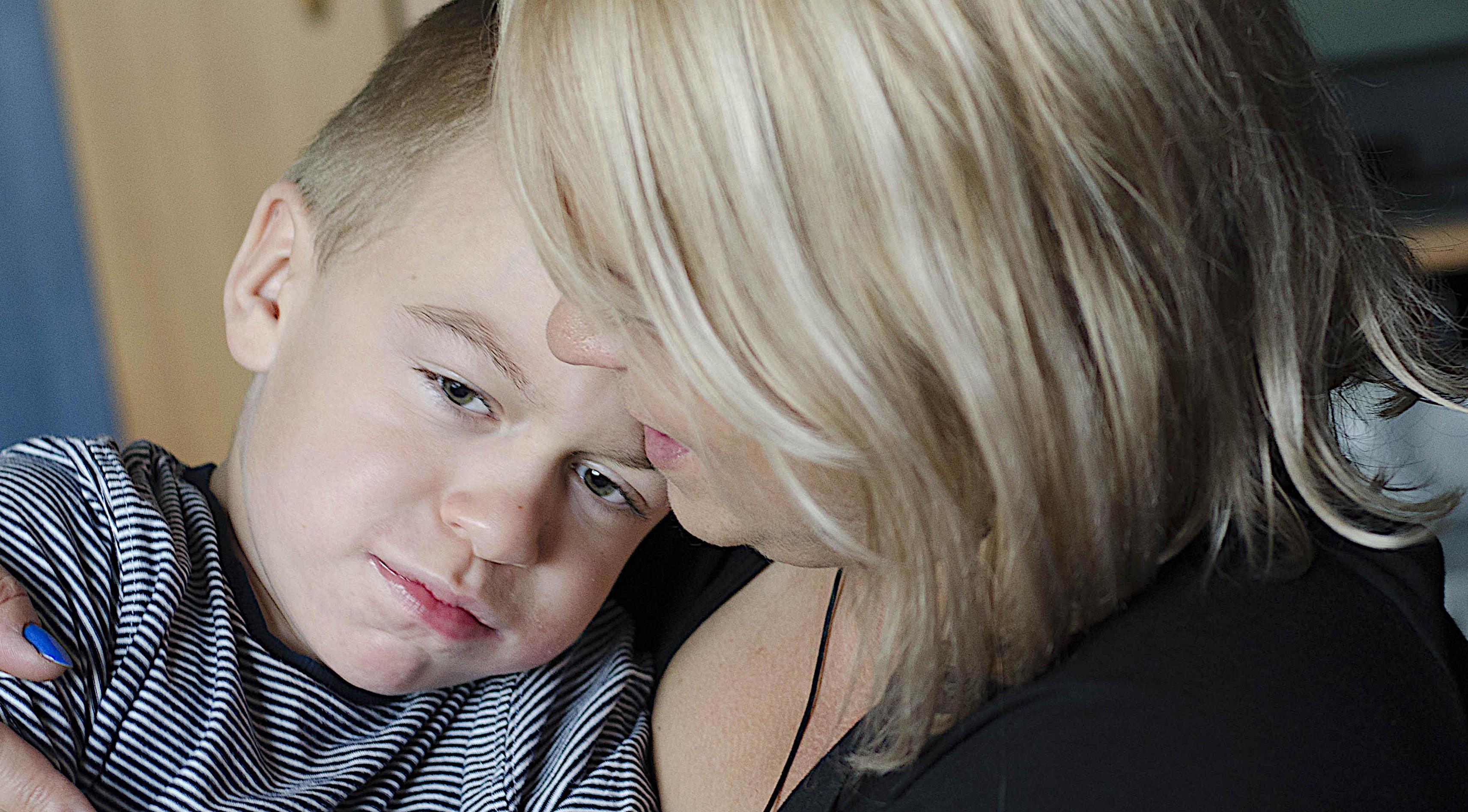 Matka z synem chorym na Sanfilippo